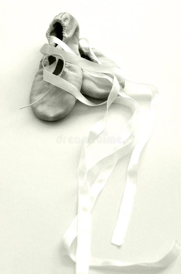 De schoenen van het ballet, hight zeer belangrijke sepia royalty-vrije stock afbeeldingen