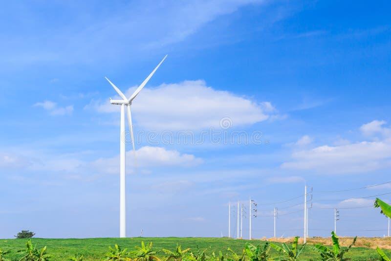 De schone energieconcept van de windturbine royalty-vrije stock fotografie
