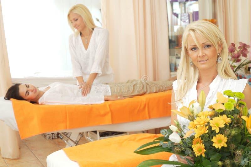 De schoonheid-salon wacht op u stock afbeelding