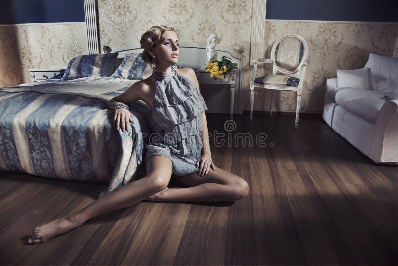 De schoonheid van de blonde royalty-vrije stock afbeelding