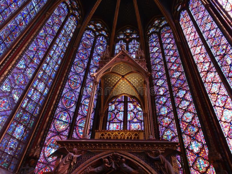 De schoonheid van heilige--chapelle gebrandschilderd glasvensters royalty-vrije stock afbeelding