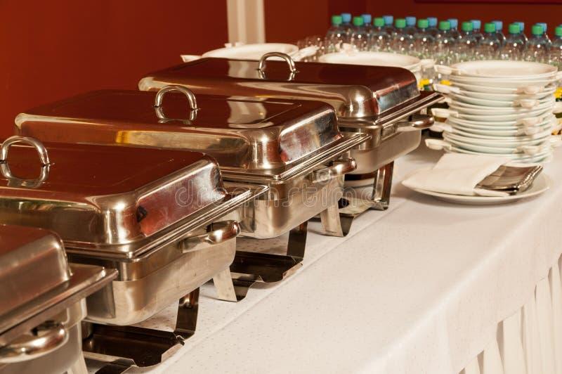 De schotels van de catering