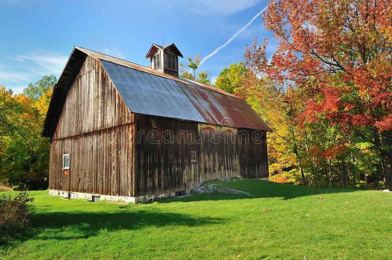 De Schuur van de herfst in de Slaap van Michigan draagt Duinen de V.S. royalty-vrije stock foto