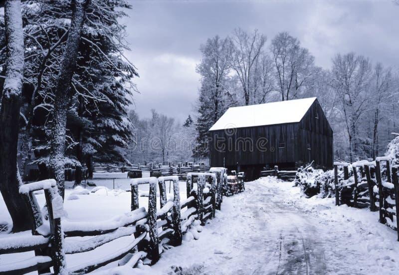 De Schuur van New England in de Winter royalty-vrije stock foto