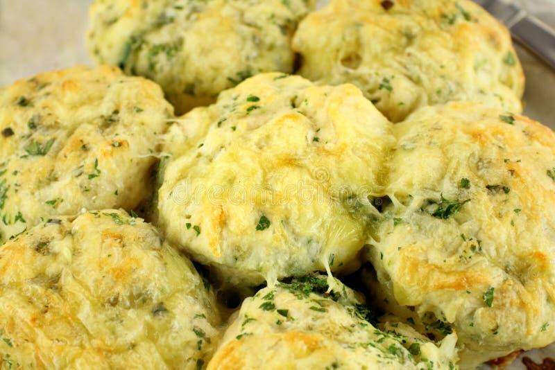 De Sconen van de kaas en van de Spinazie stock foto's