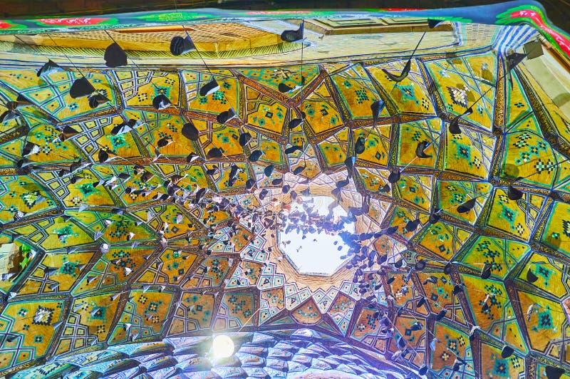 De semi-koepel van Aminoddole-Caravanserai, Kashan, Iran stock afbeeldingen