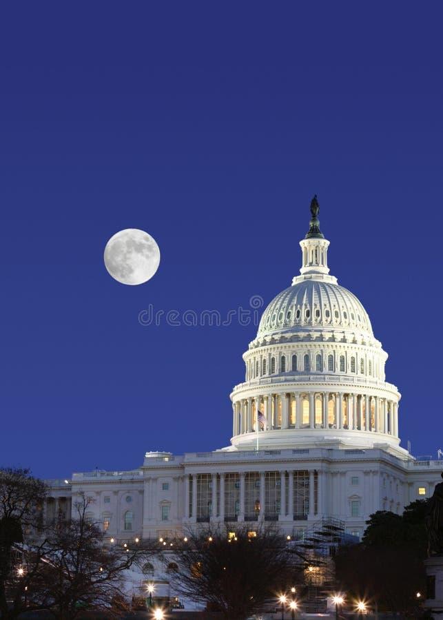 De senaat en de volle maan van de V.S. stock foto's