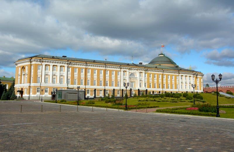 De senaatsbouw in het Kremlin, Moskou stock afbeeldingen