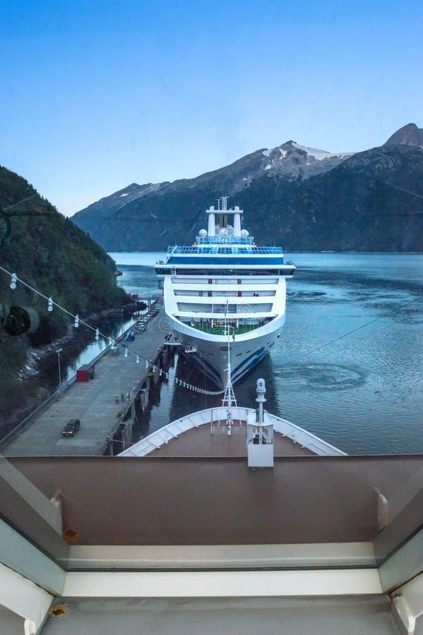 15 de septiembre de 2018 - Skagway, AK: Una nave de princesa Cruises que atraca en puerto imagen de archivo libre de regalías