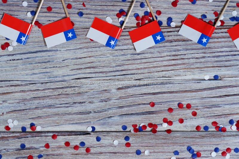 18 de setembro, Dia da Independência feliz do Chile Memorial Day para a independência O conceito do patriotismo mini bandeiras co fotos de stock royalty free