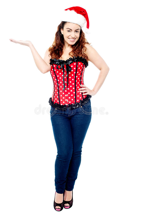 De sexy jonge vrouw kleedde zich in in kledij stock foto