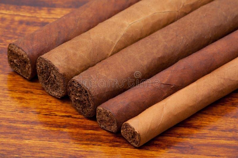 De sigaren van verschillende grootte sluiten omhoog royalty-vrije stock foto