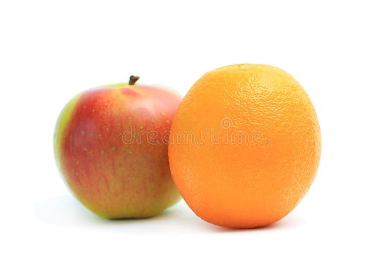 De sinaasappel en de appel van het fruit royalty-vrije stock afbeelding
