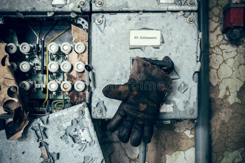 De sista orden av elektriker arkivbilder
