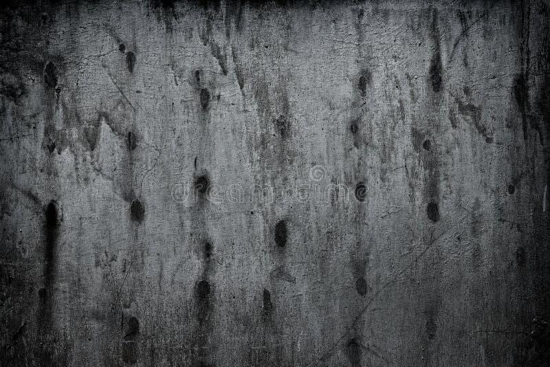 De sjofele zilverachtige grijze oppervlakte van de metaalmuur - donkere grungeachtergrond royalty-vrije stock fotografie