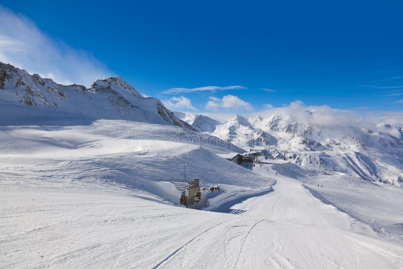 De skitoevlucht Hochgurgl Oostenrijk van de berg royalty-vrije stock fotografie