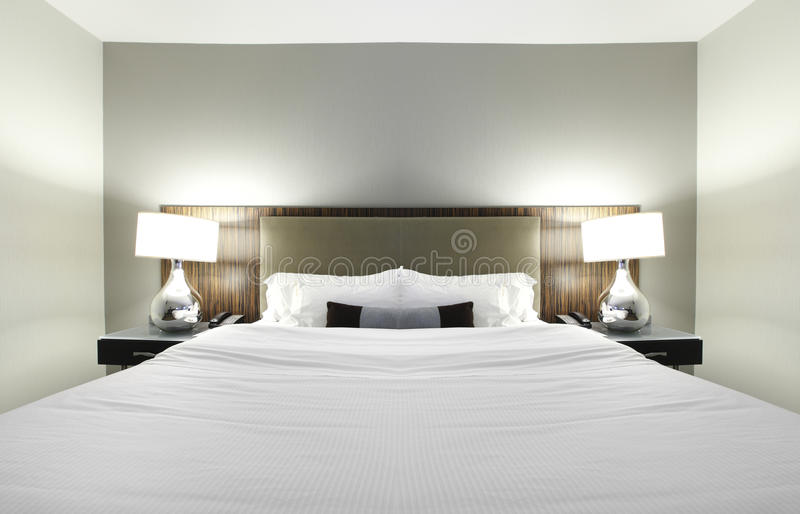 De slaapkamer van het hotel stock foto's