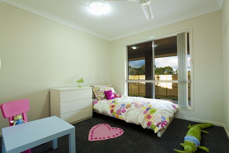 De slaapkamer van jonge geitjes royalty-vrije stock afbeelding