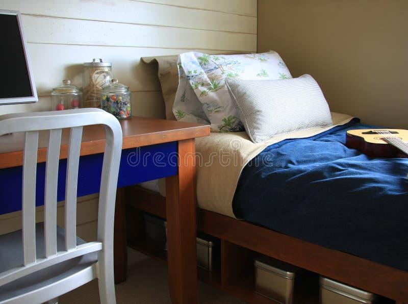 De slaapkamer van jongens stock afbeeldingen