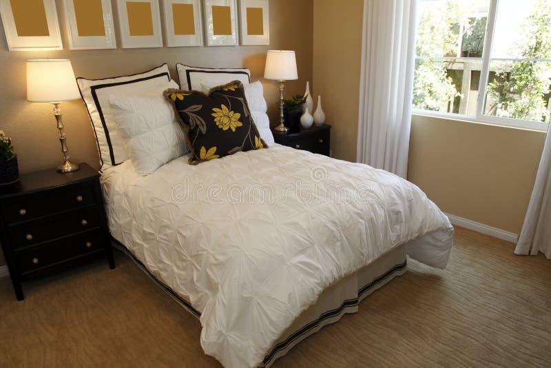De slaapkamerdecor van de ontwerper royalty-vrije stock afbeeldingen