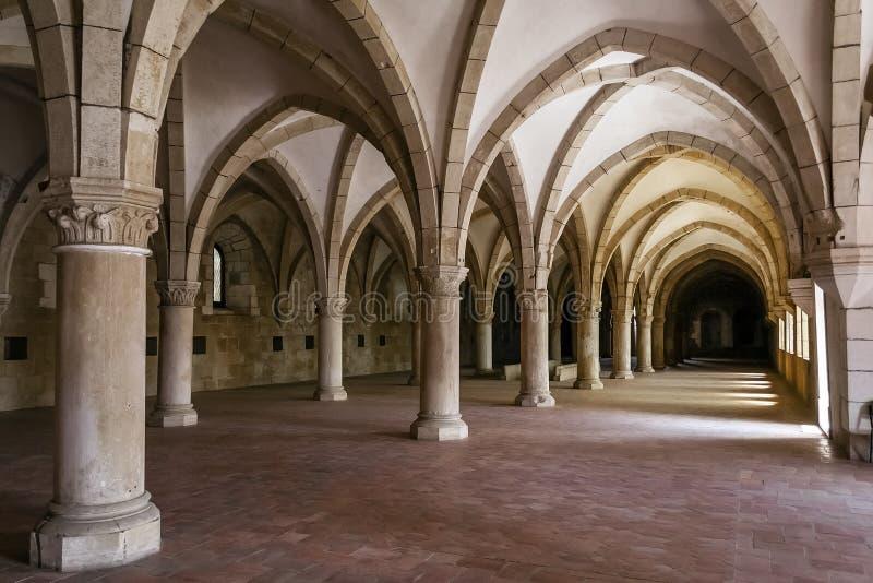 De Slaapzaal van het Alcobacaklooster royalty-vrije stock afbeelding