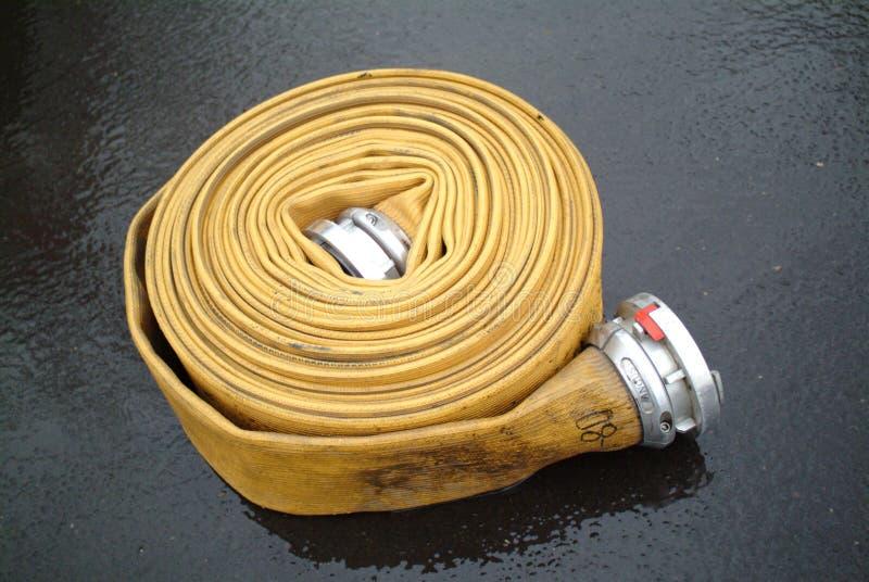 De Slang van de brandkraan stock fotografie