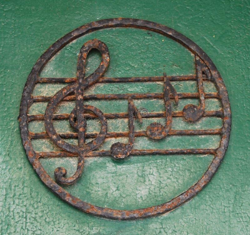 De sleutel en de nota's van de viool royalty-vrije stock afbeelding