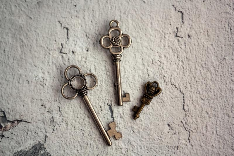 De sleutels zijn een symbool van familie en welzijn royalty-vrije stock foto