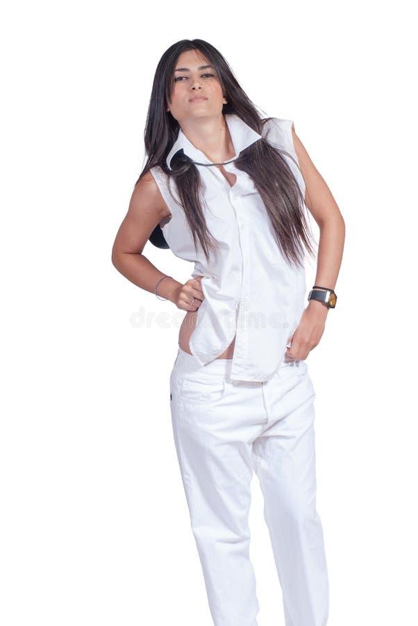 De Slijtage Wit Die Broek En Overhemd Van De Maniervrouw