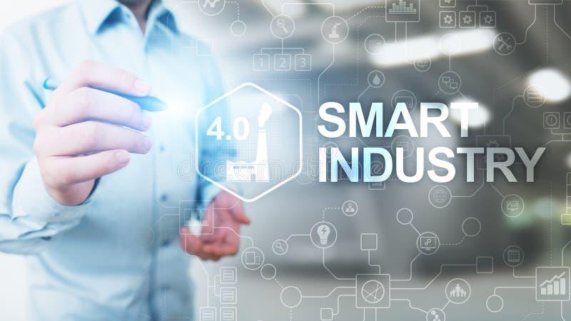 De slimme industrie 4 0, automatisering en optimaliseringsconcept op virtueel Zaken en modern technologieconcept stock fotografie
