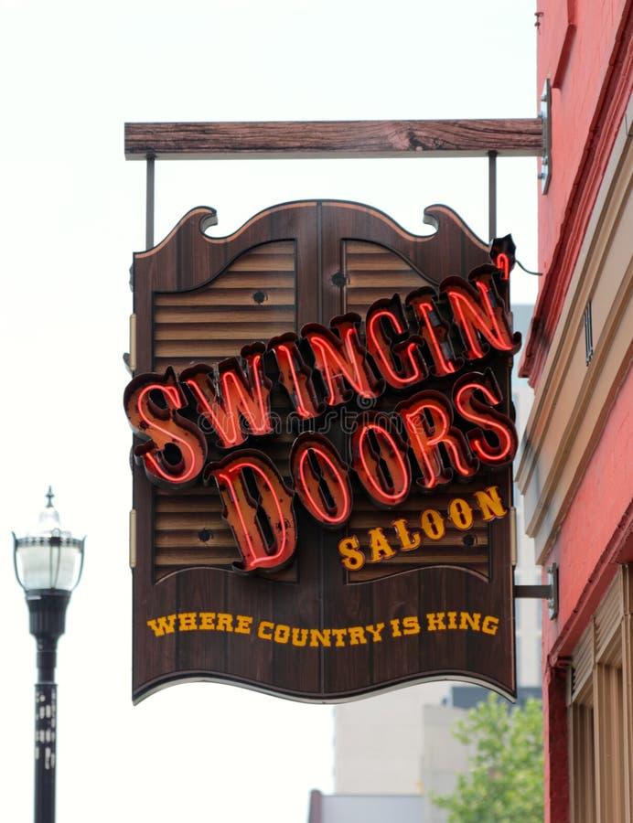 De slingerende Bar van de Deurenzaal en Resturant, Nashville Van de binnenstad Tennessee stock foto