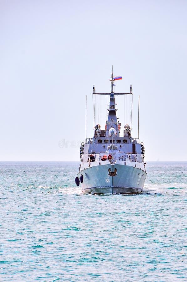 De Sloveense Boot van de Marinepatrouille Triglav in de baai van Portoroz op patrouille stock fotografie
