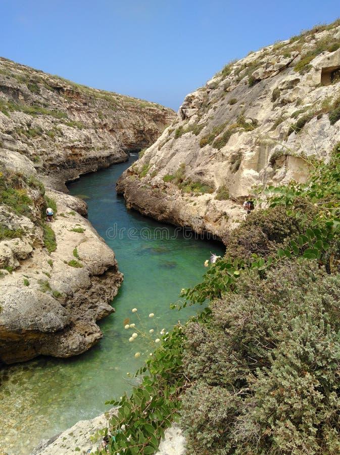 De smalle baai van Wied IL-ghasri stock afbeeldingen