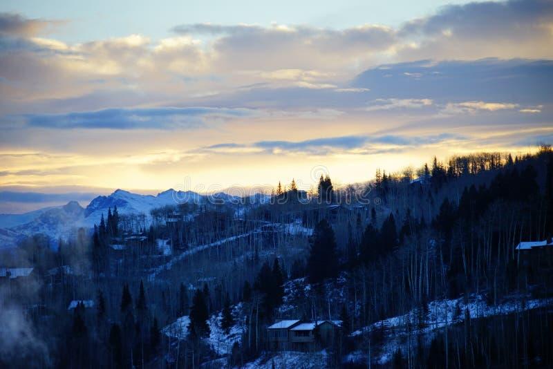Download De sneeuwberg van Colorado stock afbeelding. Afbeelding bestaande uit autumn - 107708863