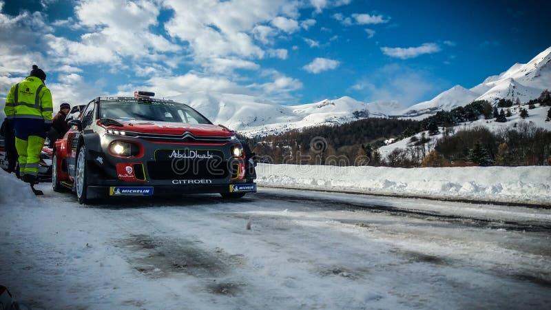 "de sneeuwverzameling Monte Carlo France Montecarlo Citroà ""n WRC van 2018 stock foto's"