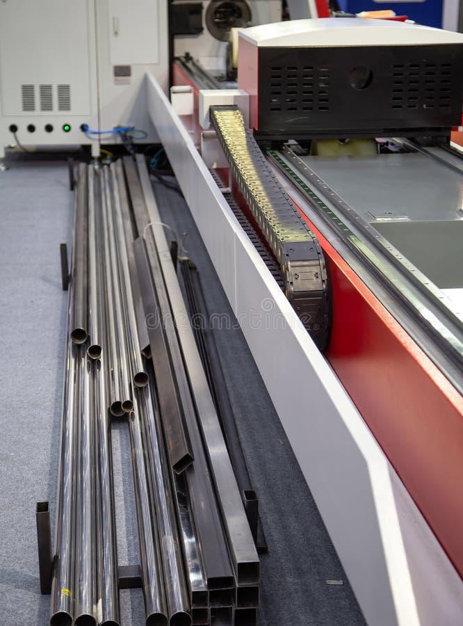 De Snijmachine van de vezelbuis stock foto's