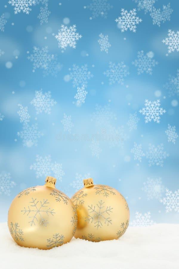 De snuisterijen van achtergrond Kerstmis gouden ballen decoratieportret FO royalty-vrije stock afbeelding