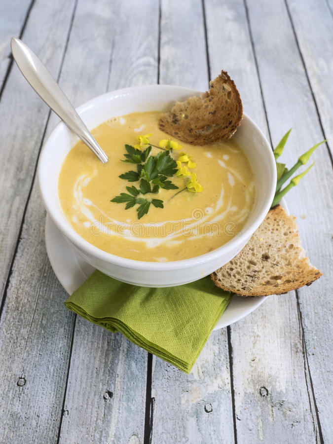 De soep van de Butternutpompoen royalty-vrije stock afbeeldingen