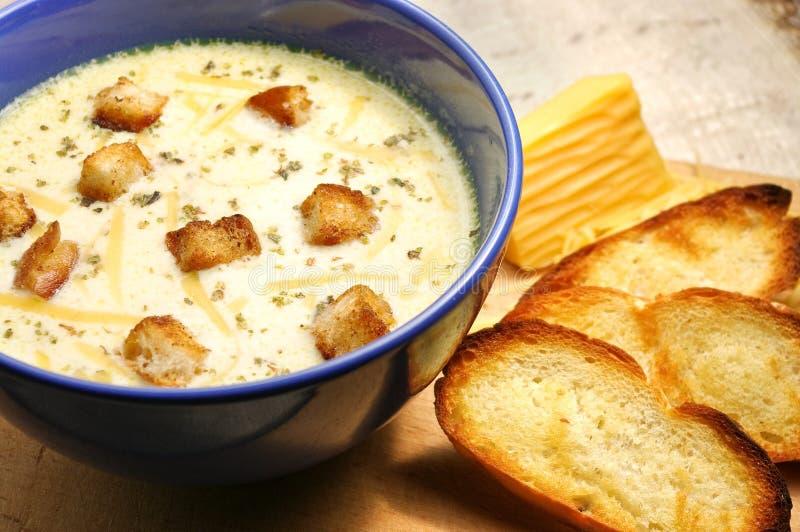 De soep van de kaas stock foto's