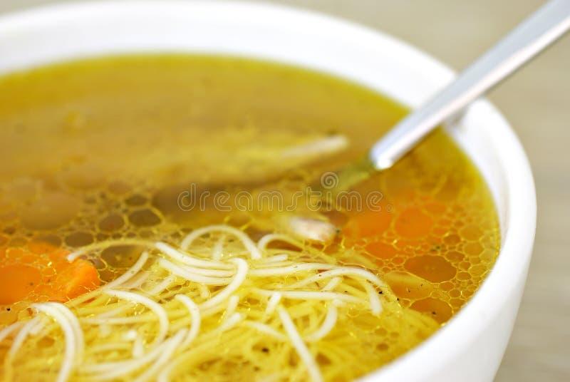 De soep van de kip met noedels royalty-vrije stock foto's