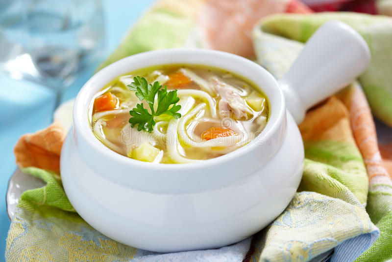 De soep van de kippennoedel stock foto's