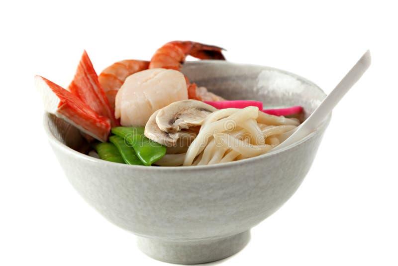 De Soep van de Noedel van Udon van zeevruchten, Populaire Japanse Schotel royalty-vrije stock afbeeldingen