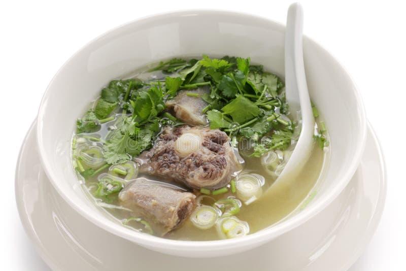 De soep van de ossestaart stock fotografie