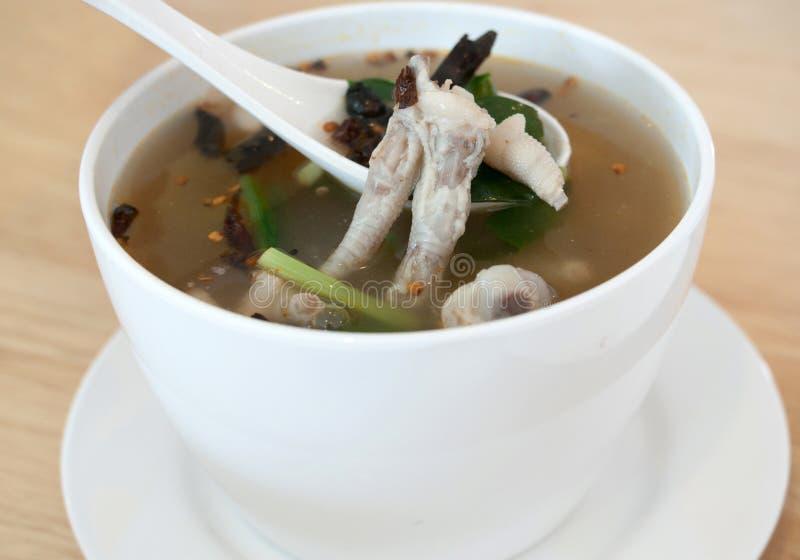 De soep van kippenvoeten stock fotografie