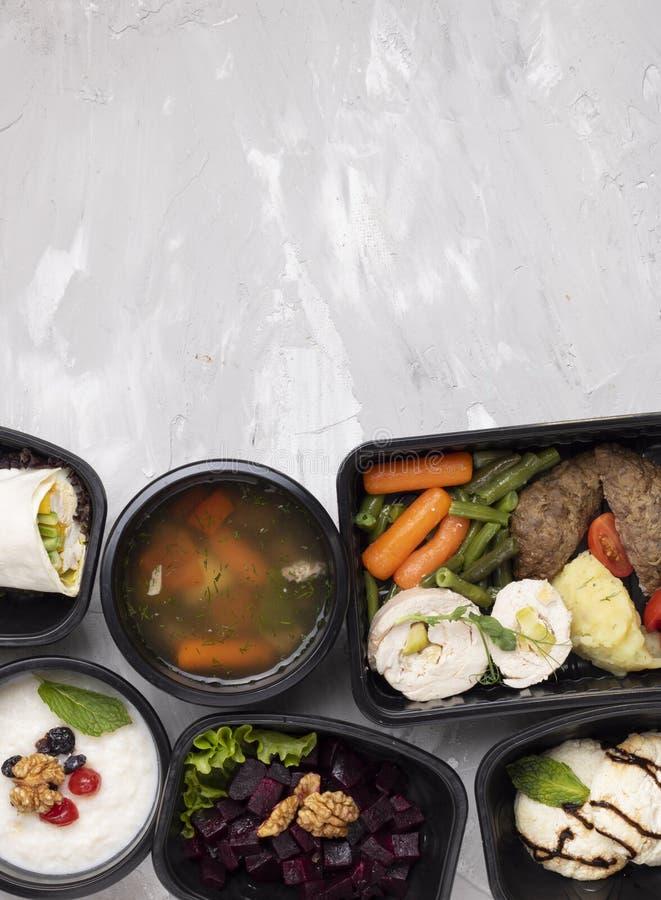 De soep van Phobo en de koteletten, gekookte groenten, stoomden vlees, asin maaltijd royalty-vrije stock foto's