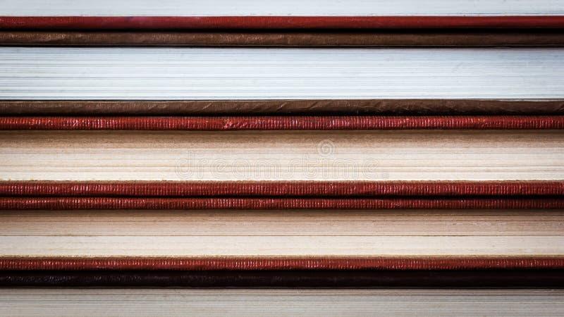 De soort boekpagina's, hardcover vervaardigde handboekgeneeskunde stock afbeelding