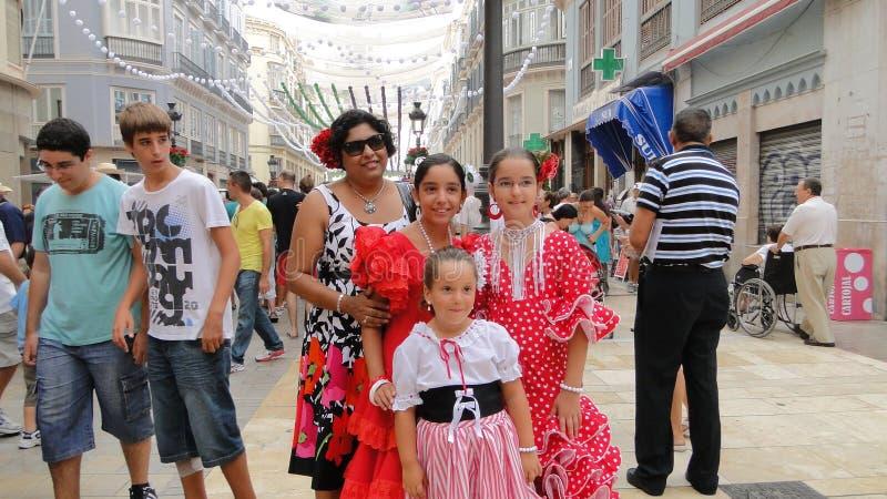 De Spaanse meisjes in flamenco kleden zich stock fotografie
