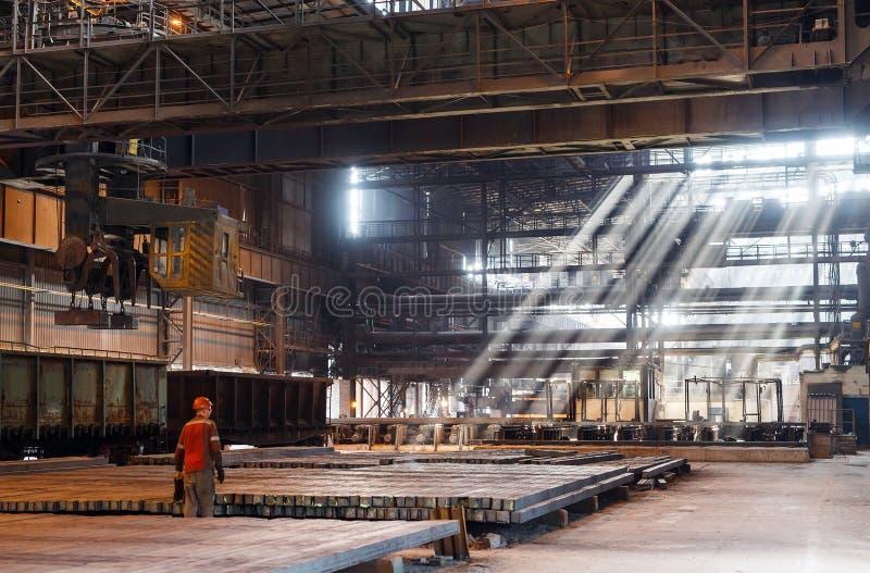 De spatie van het pakhuismetaal Galvaniserende installatie voor het metaal royalty-vrije stock afbeelding