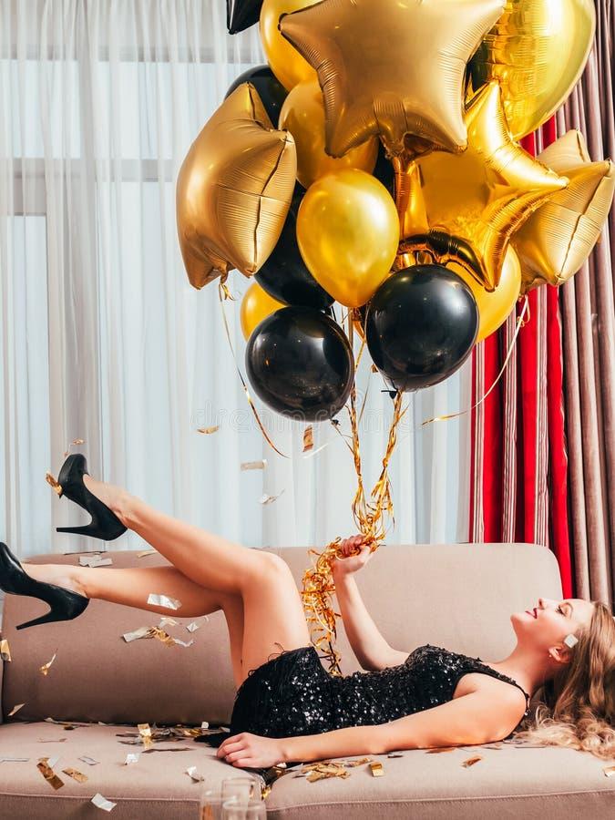 De speciale ballons van het de partij gelukkige meisje van de dagverjaardag stock afbeelding