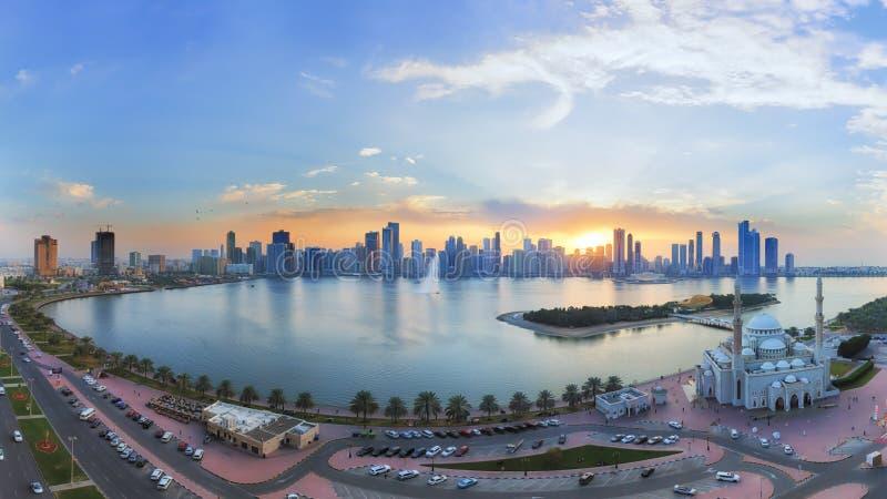 De speciale zonsondergang van Sharjah stock fotografie